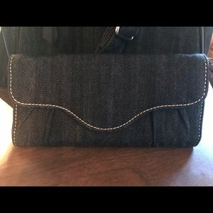 THIRTY-ONE WALLET (NWOT)